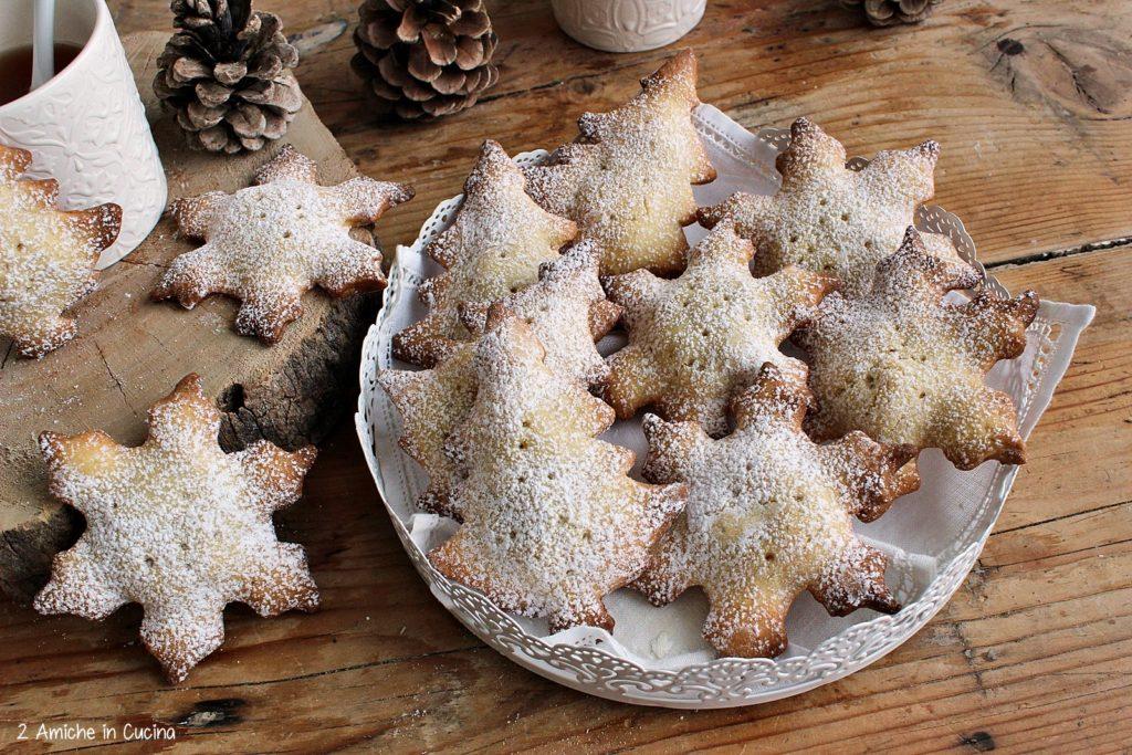 Biscotti con cuore di mela e spezie