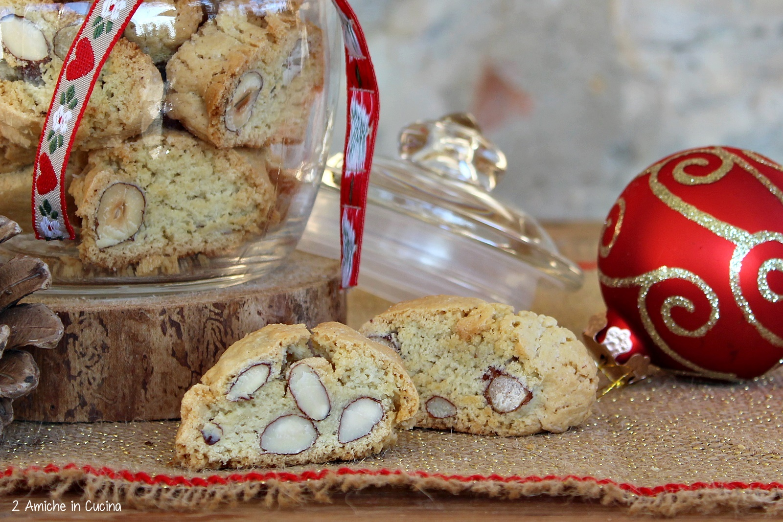 Biscotti Di Natale Umbria.Tozzetti Umbri Biscotti Friabili Con Nocciole E Mandorle