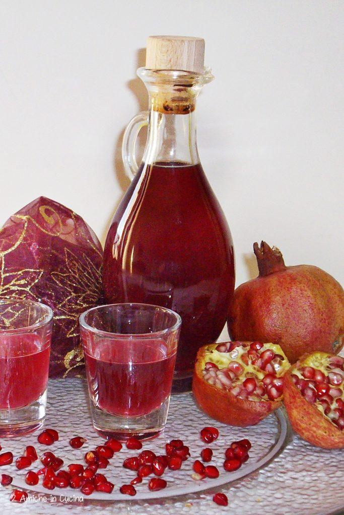liquore alla melagrana, fatto in casa