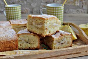 Cubotti di torta di mele ucraina, ricetta tipica dell'est Europa