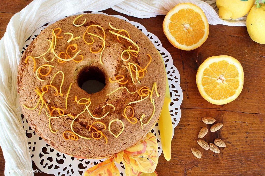 Chiffon cake alle mandorle e agrumi