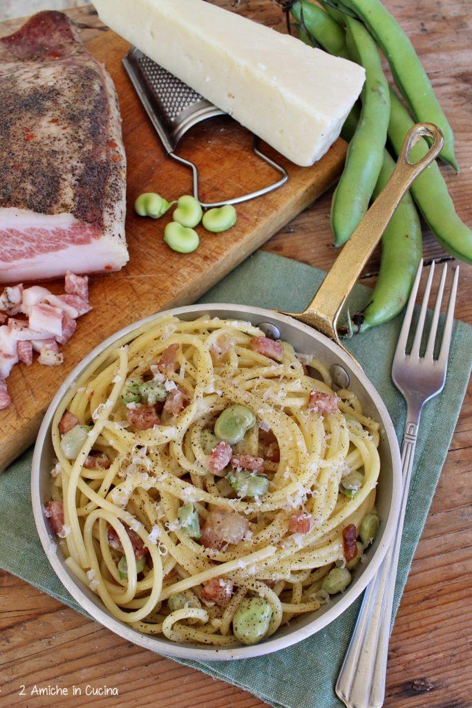 Spaghetti alla carbonara con le fave