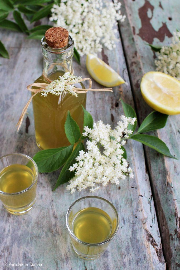 liquore ai fiori di sambuco-limone