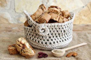 tozzetti alla canapa- mandorle- mirtilli - ricette con la canapa