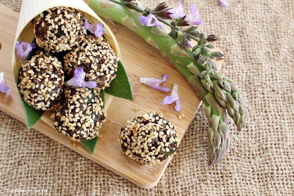polpette di quinoa-asparagi-sesamo