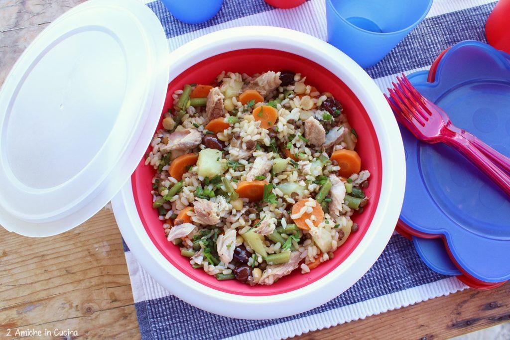 insalata di cereali e legumi con patate, fagiolini e sgombro al naturale