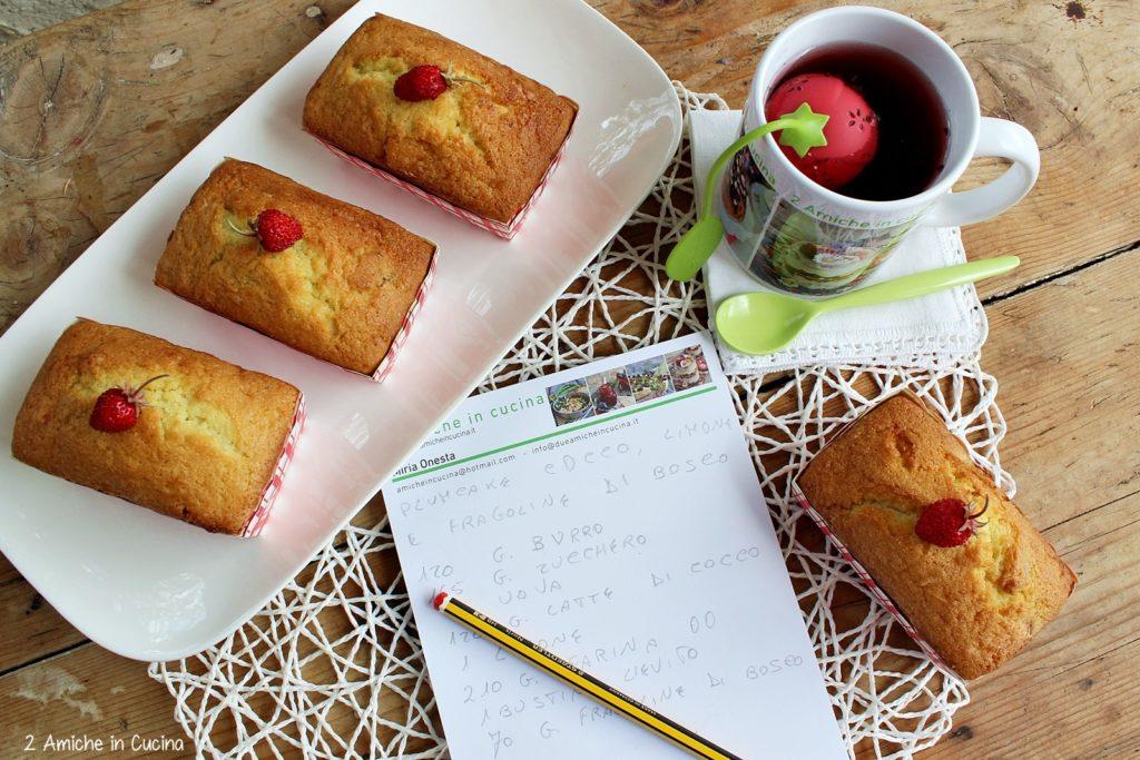 Mini plumcake al cocco con fragoline e limone