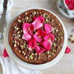 torta di pere, con pistacchi, mandorle e rose