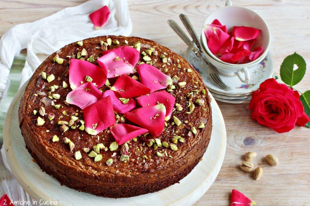 Torta di pere, pistacchio e rose di Nigella Lawson