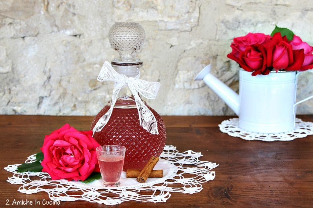 liquore alle rose - cannella- liquori fatti in casa