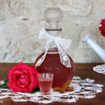 liquore alle rose- cannella- liquori fatti in casa