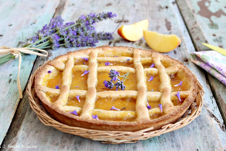 crostata pesche e lavanda, dolce semplice e profumato