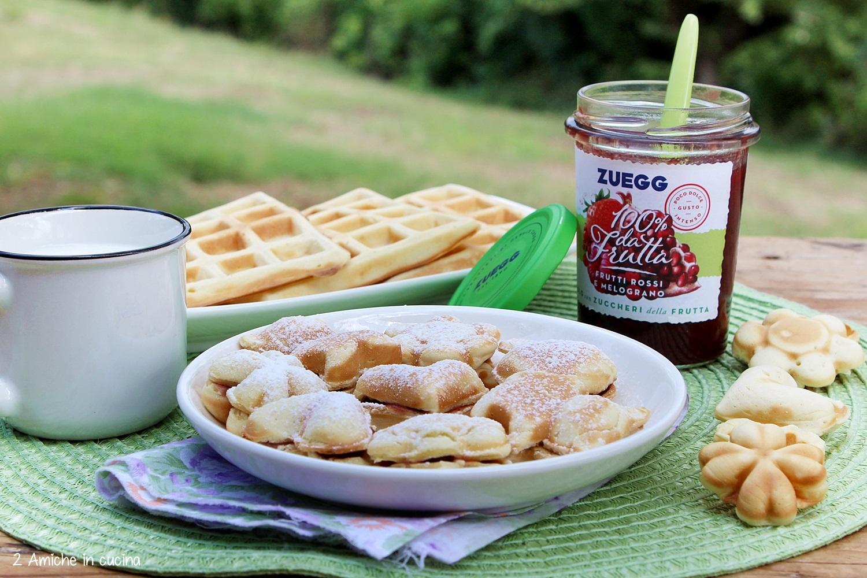 Mini waffel con confettura, per la colazione o la merenda