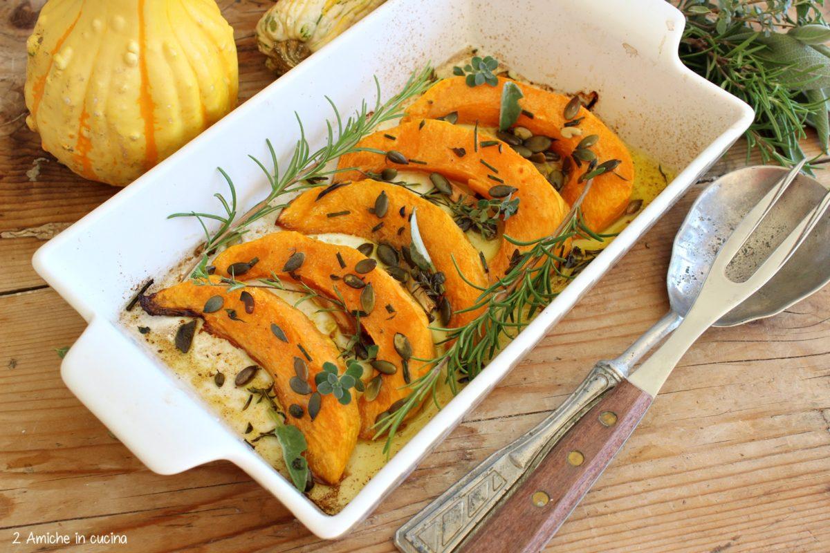Zucca al forno con erbe aromatiche, semi e olio aromatizzato allo zenzero
