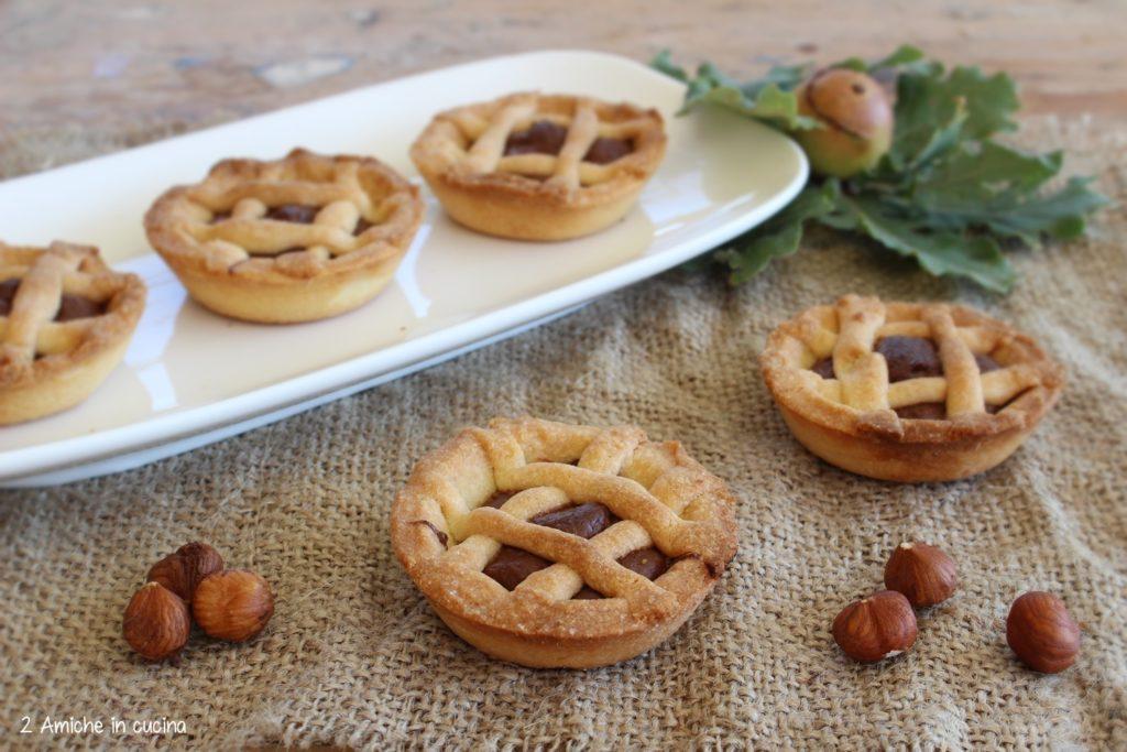 Crostatine alle nocciole per la colazione o la merenda