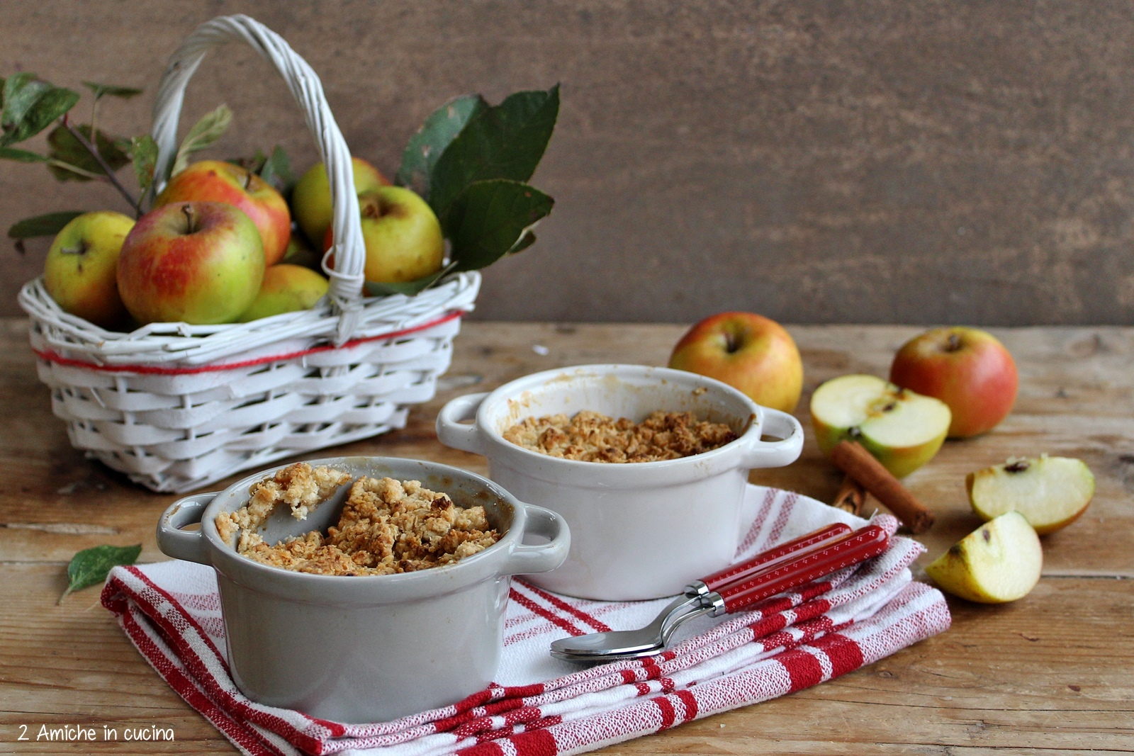 Crumble di mele (Apple crumble inglese) - 2 Amiche in Cucina