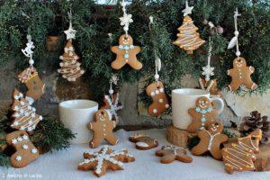 Biscotti di panpepato di Nigella per l'albero di Natale