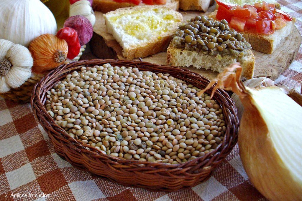Cestino di lenticchie umbre, tris di bruschette - Estate in Umbria