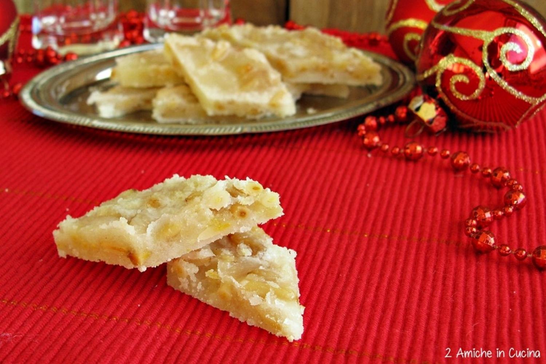 Pinoccate umbre, dolci tipici di Natale
