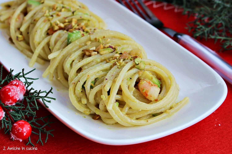 Spaghetti Al Pesto Di Pistacchio Avocado E Gamberi 2 Amiche In