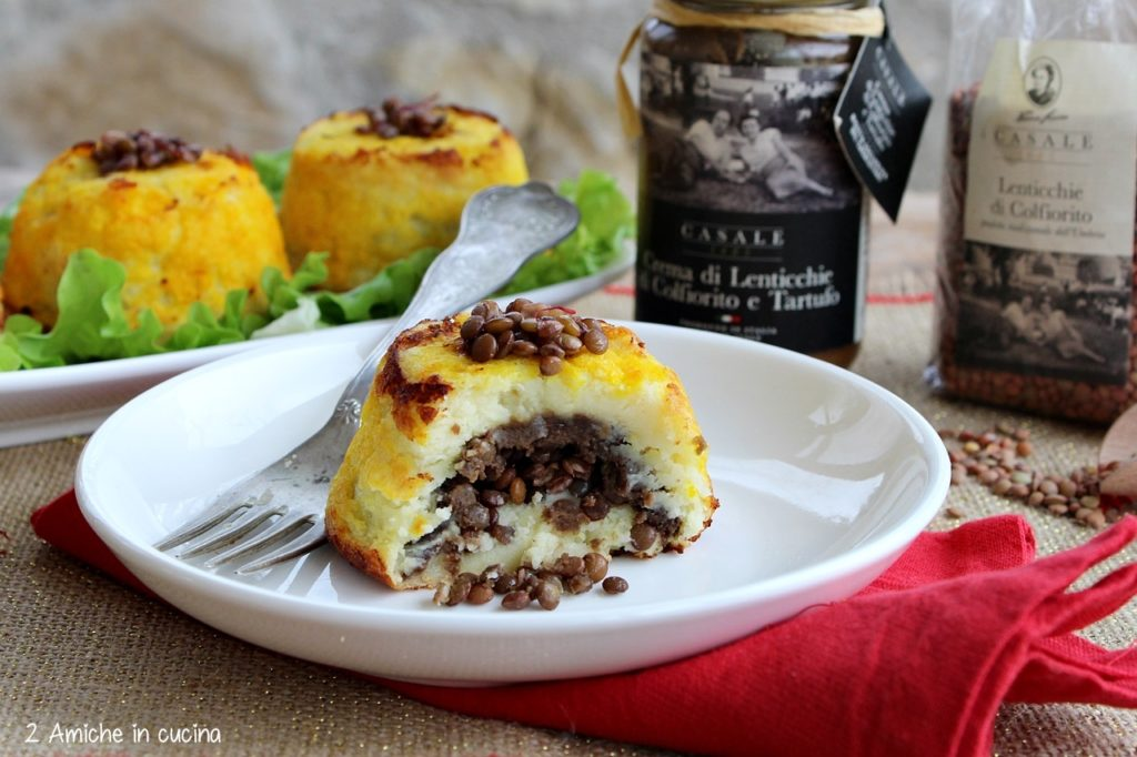 Tortini di patate allo zafferano purissimo in stimmi umbro con crema di lenticchie di Colfiorito al tartufo