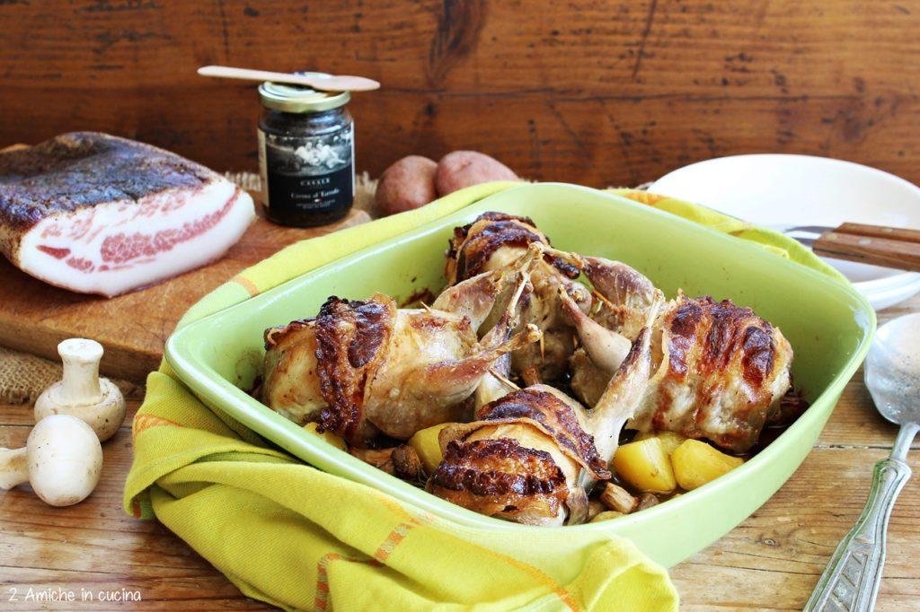 Quaglie al tartufo ripiene di salsiccia, cotte in forno con patate rosse di Colfiorito IGP e funghi champignon