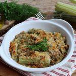 Cardi o gobbi gratinati in forno con acciughe e erbe aromatiche, ricetta leggera e gustosa