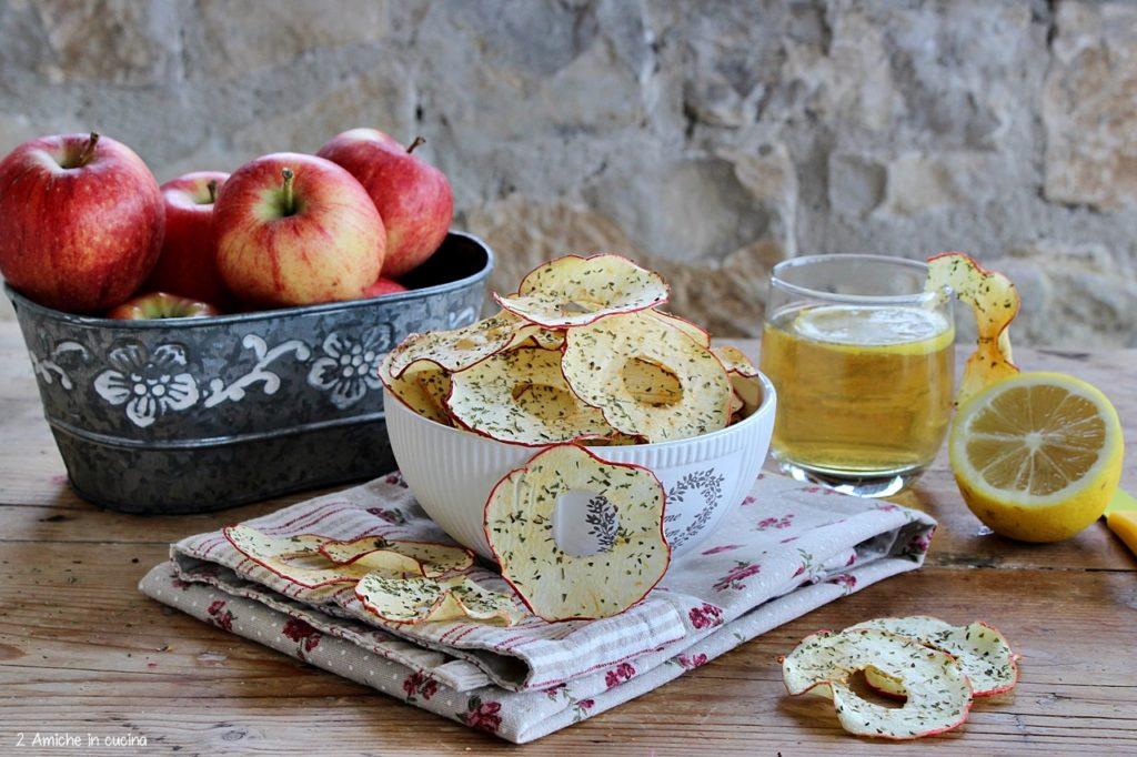 Chips di mela alle erbe aromatiche