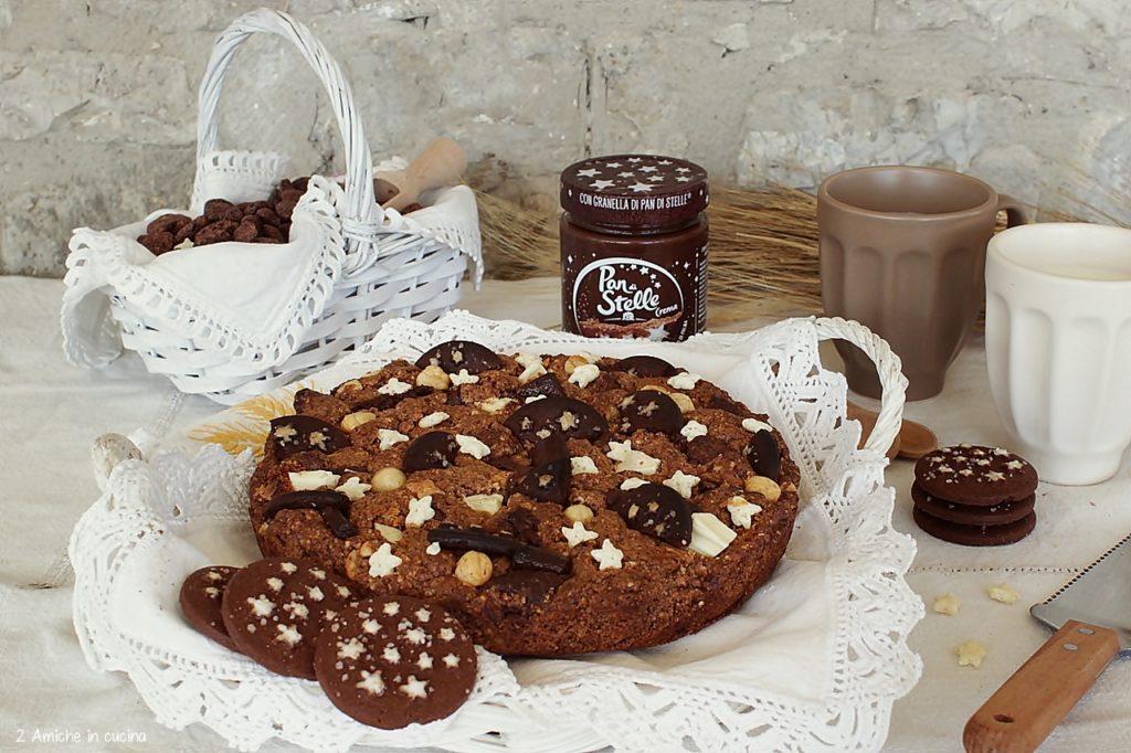 Torta al cioccolato per la colazione con Pan di Stelle.