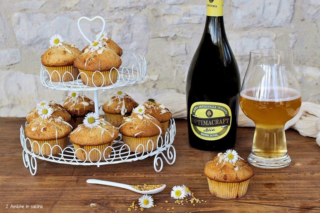 Muffin alla birra, con fiori e polline