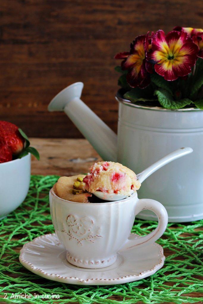 Mug cake al limone senza lattosio, e vegan