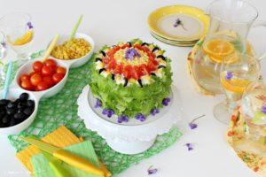 Torta tramezziono, la sandwich cake con verdure e tonno
