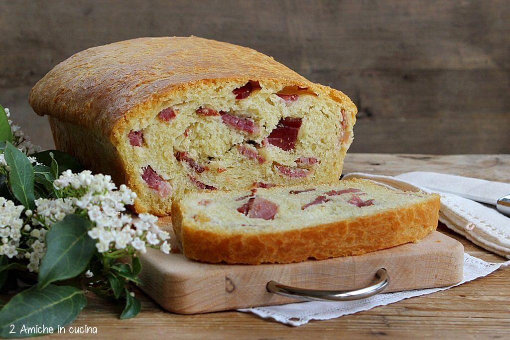 Folar de Valpaços il pane portoghese di Pasqua con salumi misti