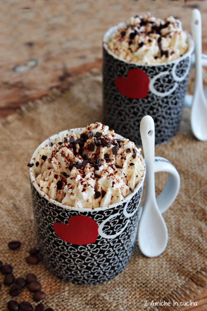 Mug cake la tiramisù con cioccolato fondente