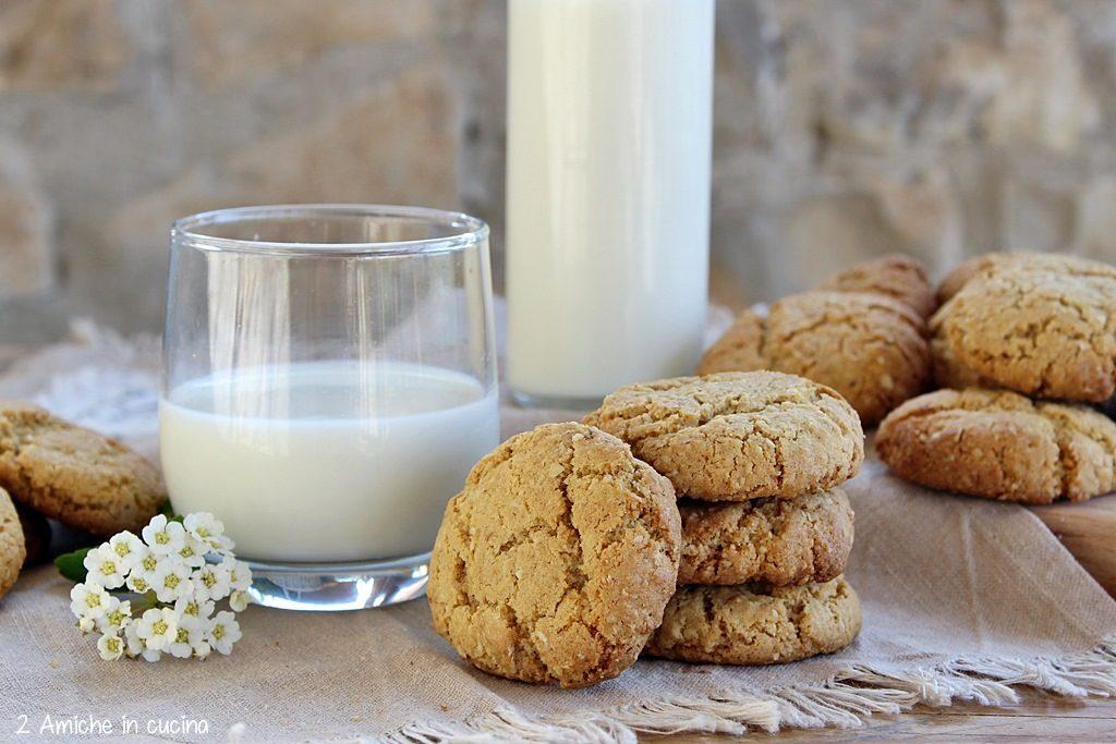 Biscotti con fiocchi d'avena in versione senza lattosio, per l'oatmeal day