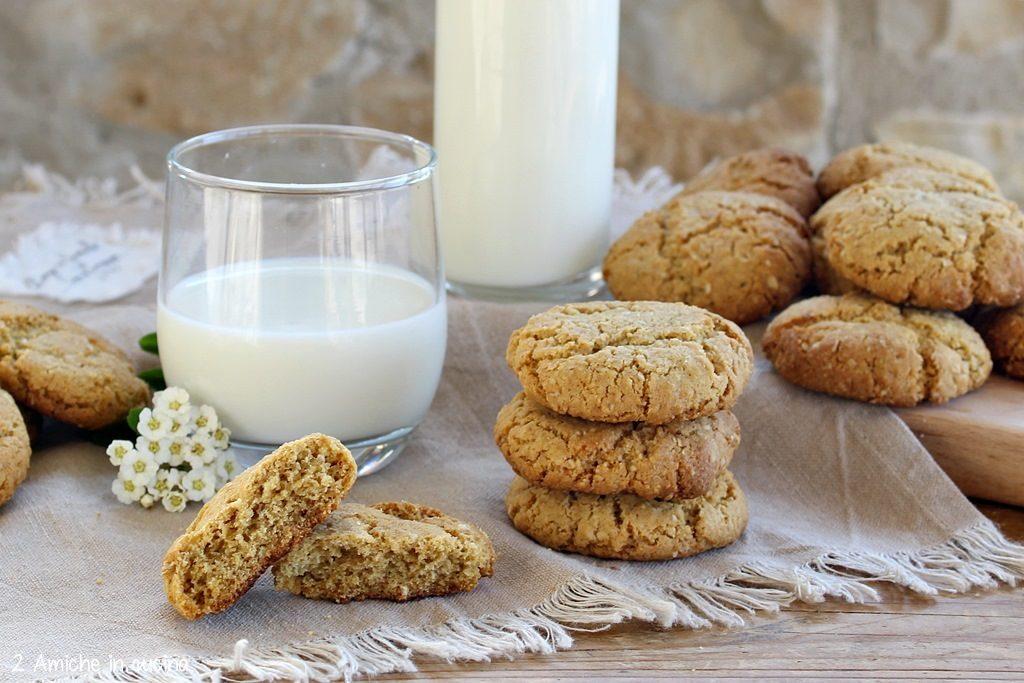 Biscotti con fiocchi d'avena e olio di cocco, senza lattosio