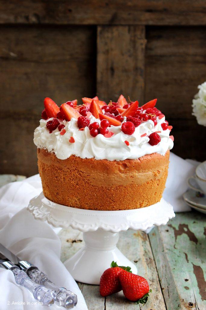 Chiffon cake con frutti rossi