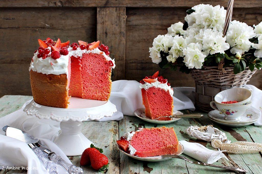 Chiffon cake meringata con frutti rossi e alchermes