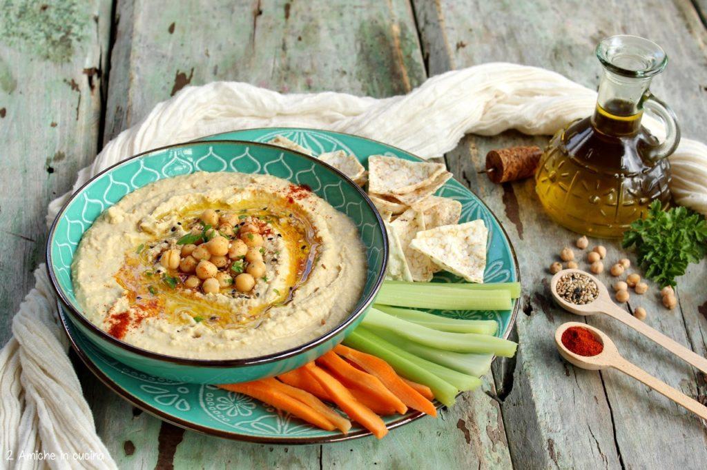Hummus, salsa a base di ceci e pasta di sesamo