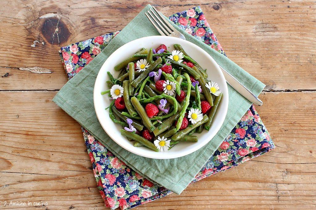 Fagiolini con asparagi, lamponi e aceto di lamponi