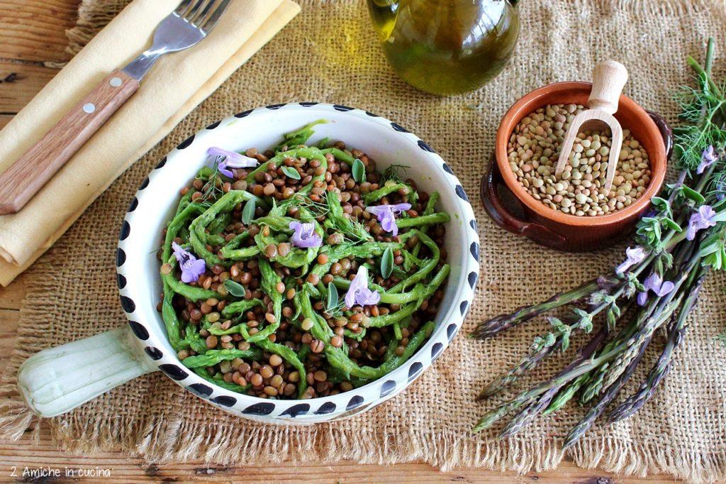 Insalata con lenticchie e asparagi