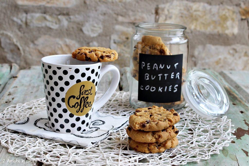 Biscotti al burro di arachidi, i peanut butter cookie americani