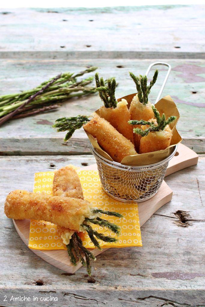 Asparagi fritti con cotto e formaggio