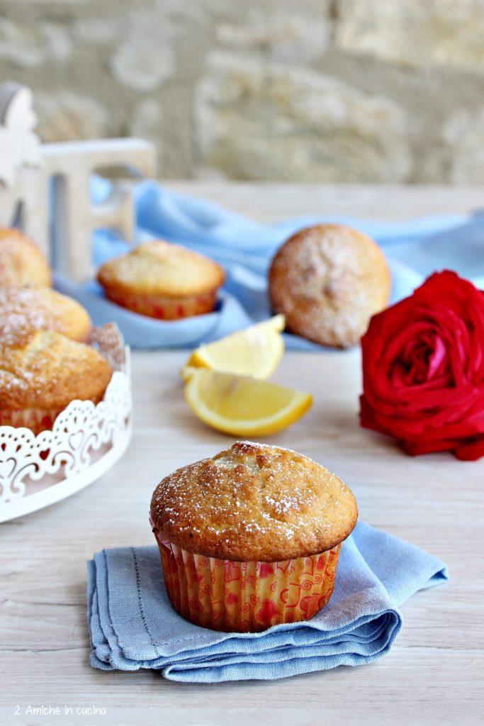 Muffin soffici al limone senza lattosio