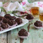 tartufi al cioccolato, confettura di albicocche, mandorle e rum