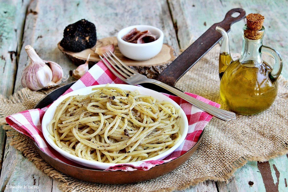 Spaghetti alla norcina, con tartufo e alici