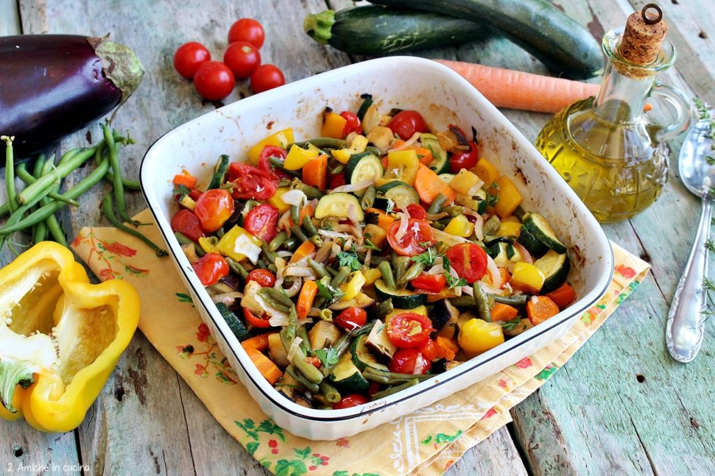 ricetta per cucinare le verdure estive in forno con erbe aromatiche