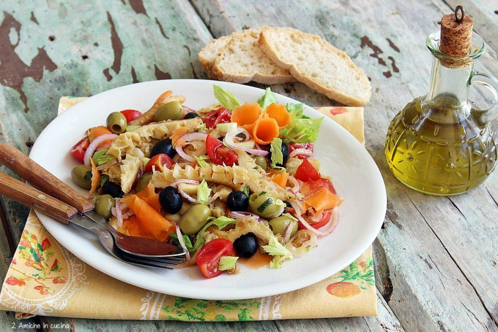 Insalata di trippa con pomodori, olive e cipolla di Tropea