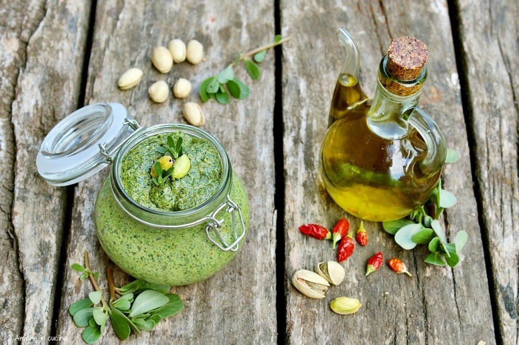 pesto di portulaca, pistacchio, peperoncino e olio extra vergine di oliva