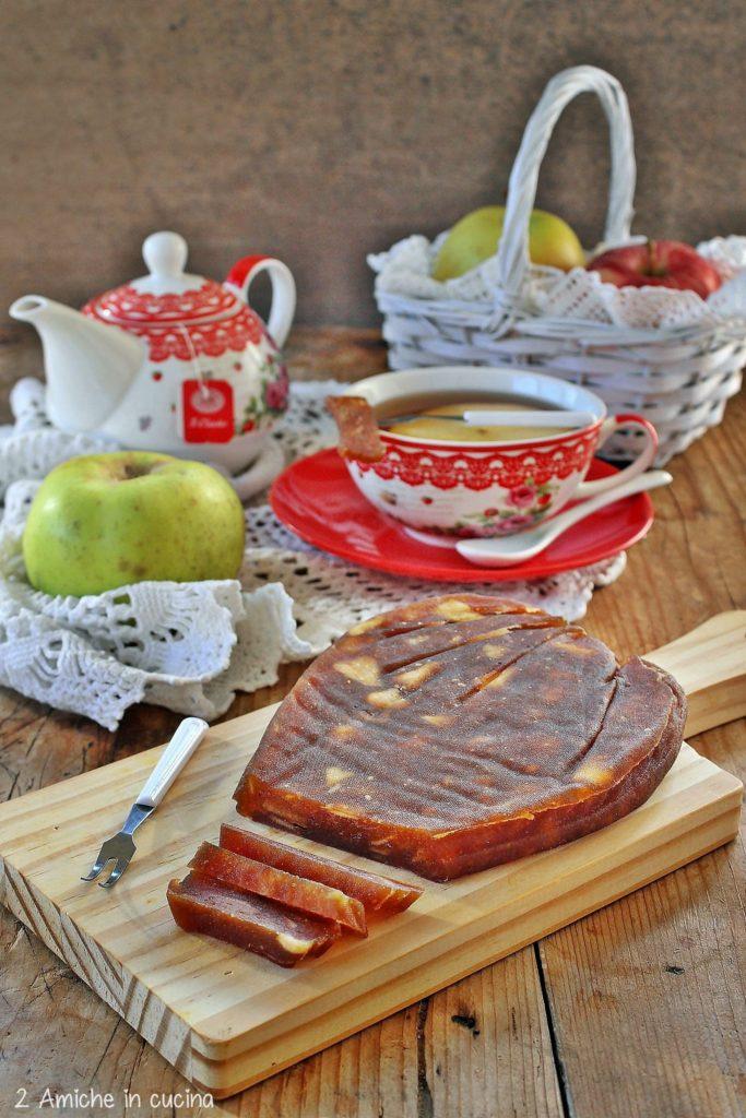 Preparazione a base di mele tipica della Lituania, ricetta di Natale